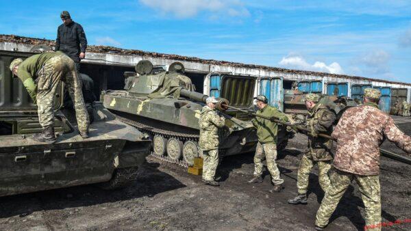 У 93 бригаді Холодний Яр переводять техніку та озброєння на режим весняно-літньої експлуатації