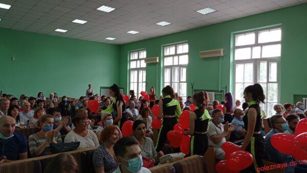 Медичних працівників Новомосковська привітали із професійним святом